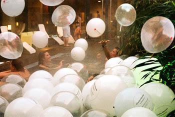 05.Liquidrom_bubbles.jpg