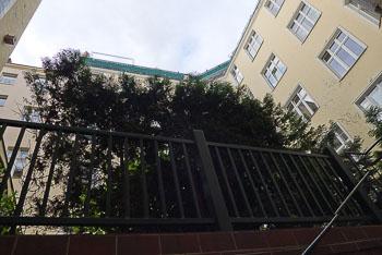 13_Okonek-courtyard2.jpg