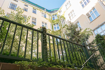14_Okonek-courtyard2.jpg