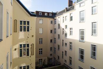 24_Okonek-courtyard2-2-2-2.jpg